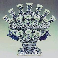 Delfts blauw  Tulpenvaas  (Vase for  tulips )