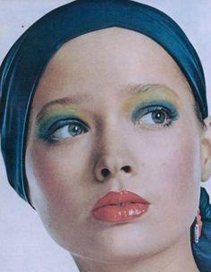 "Vogue US March 1972 ""Personal Style"" Model: Pola Photographer: Irving Penn 1970s Makeup, Disco Makeup, Moda Hippie, Vogue Us, Making Faces, Vintage Fashion Photography, Vintage Couture, Portraits, Fashion Images"