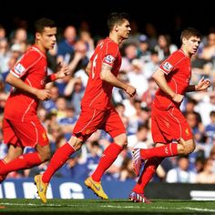 @stevengerrard with his teammates right after scoring #LFC's equaliser against Chelsea
