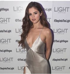 Top 10 Countries With The World's Most Beautiful Women (Pictures included) Fotos Selena Gomez, Selena Selena, Beautiful Women Pictures, Most Beautiful Women, Beautiful Dresses, Hollywood Actress Pics, Beautiful Girlfriend, Michelle Trachtenberg, Marie Gomez