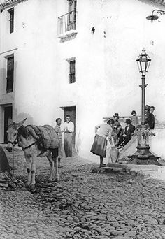 Photos of Frigiliana village on the Costa del Sol, Spain. Beautiful Streets, Beautiful Places In The World, Old Images, Old Photos, Andalucia, Moorish, The Visitors, Then And Now, Old Town