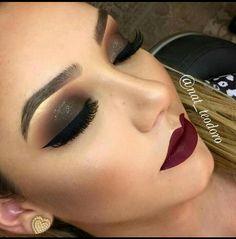 Maquiagem total marrom com boxa vinho