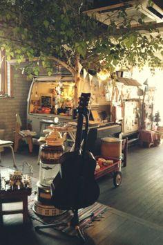 Hoho Myoll Cafe in Hongdae, Seoul. this looks sooooooo chill.