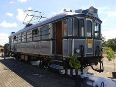 A pornit la drum Săgeata Verde – calea ferată Arad - Podgoria - ARAD - Arad Budapest, Drums, Nostalgia, Vehicles, Percussion, Drum, Car, Drum Kit, Vehicle