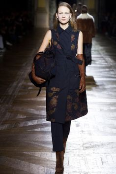 Dries Van Noten Fall 2015 Ready-to-Wear Fashion Show - Sophia Ahrens (OUI)
