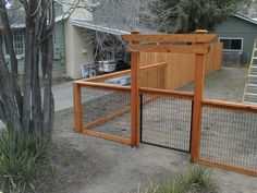 FY fence (rectangular? black wire) option Picket Wood Fencing | Mike's Fence Center