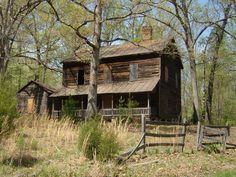 Old abandoned house North Carolina remember me the  Safe Heaven from Nicholas Sparks
