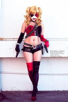 Here is a Hot Cosplayer doing my interpretation of Harley Quinn. Great look and awesome costume. Harley Quinn Cosplay based on my Drawing. Deadpool Cosplay, Dc Cosplay, Cosplay Anime, Harley Quinn Cosplay, Joker And Harley Quinn, Best Cosplay, Cosplay Girls, Cosplay Costumes, Halloween Costumes