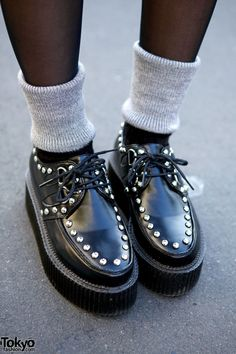 Studded creepers