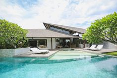 Layar Villa in Bali. awesome place to stay Modern Houses, Mid-century Modern, Outdoor Living, Outdoor Decor, Balinese, Pools, Beach House, Arch, Villa