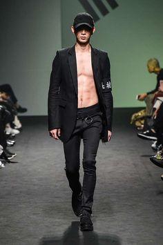 Vlades Spring-Summer 2017 - Seoul Fashion Week