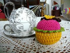 LINDEVROUWSWEB: basispatroon  van een gehaakte cupcake