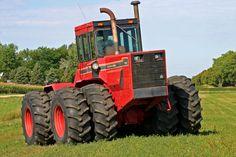 International 7788 1 of 2 known Big Tractors, Farmall Tractors, Red Tractor, Antique Tractors, Vintage Tractors, Vintage Farm, International Tractors, International Harvester, John Deere 4320
