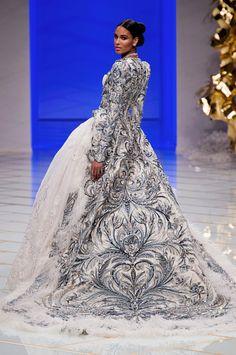 Guo Pei Haute Couture Spring 2016 More