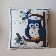 """ADORABLE """"APPLIQUE OWL""""  CUSHION MODERN STYLE SOFT AND GORGEOUS - NEW AND SEALED"""