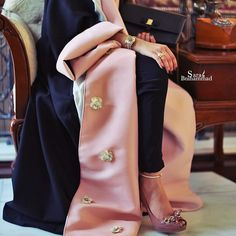 Such a pretty pink embellished floral open#Abaya#modestfashion