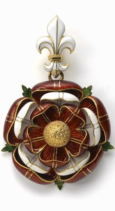 A Gold & Enamel Pendant by Robert Phillips in the form of the Tudor Rose, executed in red and white enamel, highlighted with stylised green enamel leaves which radiate from the back, the whole suspended from a white enamel Fleur de lys. Renaissance Jewelry, Victorian Jewelry, Antique Jewelry, Vintage Jewelry, Victorian Gold, Renaissance Fair, Tudor Rose, Robert Phillips, Elisabeth I