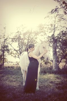 Maternity Session in the Horse Pasture