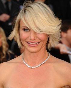 cameron diaz short platinum blonde bob hairstyle with side bangs