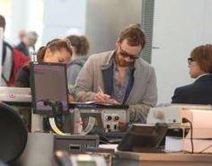 Alicia Vikander & Michael Fassbender en el aeropuerto de Toronto (17 julio)