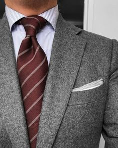Good use of color and texture. Perfect for networking events, work, mtgs. Mens Fashion Suits, Mens Suits, Dapper Suits, Shirt And Tie Combinations, Black Suit Combinations, Classic Man, Suit And Tie, Well Dressed Men, Networking Events