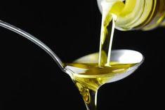 Oliiviöljy hiustenlähdön estämiseksi