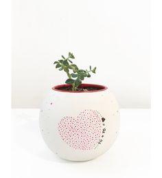 Maceta TÚ y YO <3 Regalo para tu novia. Maceta decorada con planta suculenta.