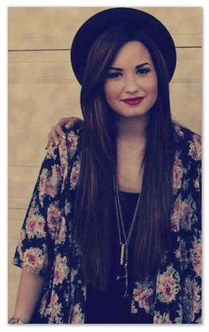 Demi lovato's gorgeous locks. WANT