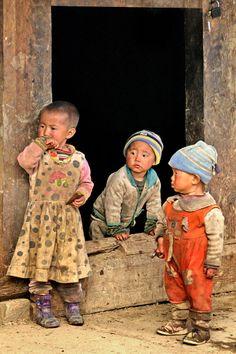 Children of the Li Minority, China - by Jef Van den Houte, Belgian