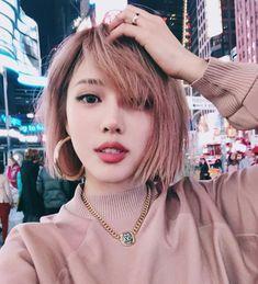 rosa desbotado nos cabelos