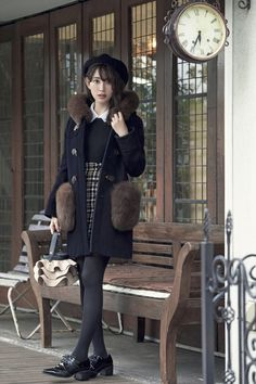Stockings Legs, Tights Outfit, Japanese Models, Black Tights, Stylish Girl, Wardrobes, Asian Woman, Beauty Women, Winter Fashion