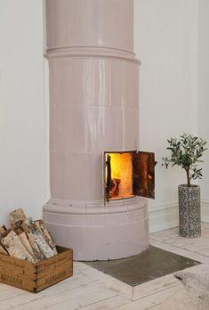 Kakelugn, pink fireplace