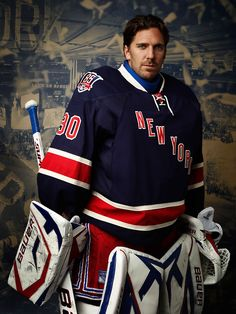 Henrik Lundqvist-Probably the best looking hockey player I have ever come across...