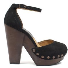 Huxley Heels <3 The lightweight platform and cushioned insole makes these ultra wearable all day long!