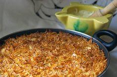 La #fideuá es una receta de pescadores. Se trata de un plato muy económico y muy fácil de preparar. Ésta es la que se come en Tarragona. Para su elaboración se fríen los fideos hasta dorarlos. Esta técnica recibe el nombre de #rossejat. Otros guisos con arroz también la...