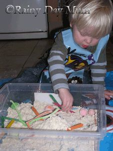 Not sure about the mess factor with this one, but it looks like fun!  Cloud dough - so fun! From @rainydaymum