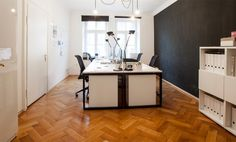 Arbeitsplätze in wunderschönem Altbaubüro in der Maxvorstadt #Büro, #Bürogemeinschaft, #Office, #Coworking, #München, #Munich