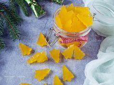 A bolti gumicukor egészséges változata, ez a házilag, villámgyorsan és könnyen elkészíthető narancsos gumicukor. Karácsonyra tökéletes gasztroajándék lehet. Pineapple, Fruit, Food, Pine Apple, Essen, Meals, Yemek, Eten
