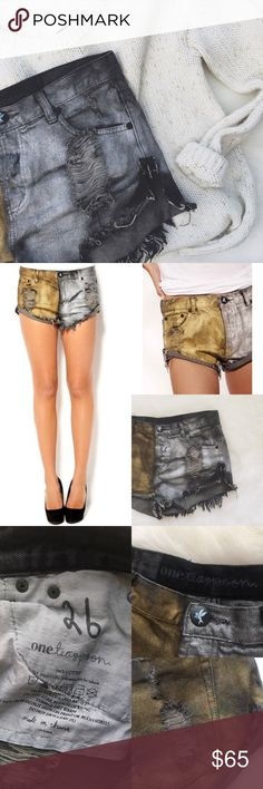 •One Teaspoon Metal Bandits Denim Shorts• One Teaspoon Metal Bandits Black Denim Short with Silver and Gold Paint on them.   →Color: Black Denim Shorts with Silver & Gold →Preloved, but in excellent condition. There is a small area of green paint on the back, as pictured.  →Size: 26 →No trades(comments will politely be ignored). →10% off 2+ items  One Teaspoon Shorts Jean Shorts