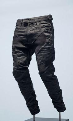 Aitor Throup G-Star Raw Research II Denim Display, Urban Fashion, Love  Fashion 87827ab42582