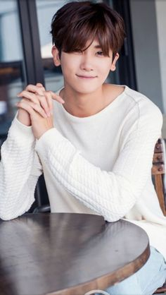 Park Hyung Sik is Handsome and Tired Doing the Post High Society Media Interviews - A Koala's Playground Park Hyung Sik, Lee Jong Suk, Lee Hyun Woo, Asian Actors, Korean Actors, Strong Girls, Strong Women, Saranghae, Park Seo Joon
