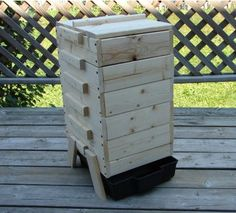 Vermicomposting Wooden Bin - 5 Trays Yes, this is the one I want! Composting At Home, Worm Composting, Outdoor Life, Outdoor Gardens, Outdoor Decor, Indoor Gardening, Gardening Tips, Worm Beds, Worm Farm