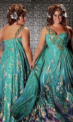 Beautiful plus size dress <3