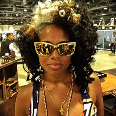 "Kelis brings our ""Glam Collection"" to the yard... #vonzipper 