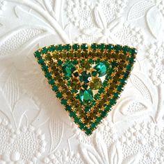 Emerald Peridot Rhinestone Brooch Pin Goldtone by TheCitrineBee
