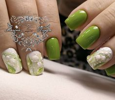 Green nails are pleasing to look at. Also, they have the calming ability. So, if you feel anxious, just look at your nature-colored nails! Green Nail Designs, Cool Nail Designs, Trendy Nails, Cute Nails, Hair And Nails, My Nails, Valley Nails, Nail Designs Pictures, Nagellack Trends