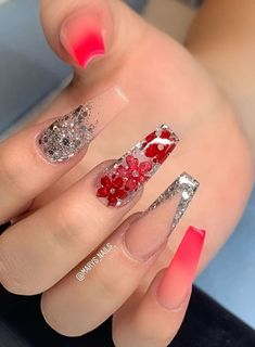 In look for some nail designs and some ideas for your nails? Here's our listing of must-try coffin acrylic nails for trendy women. Ongles Bling Bling, Bling Nails, Diy Nails, Cute Nails, Stiletto Nails, Acrylic Nails Natural, Red Acrylic Nails, Summer Acrylic Nails, Red Ombre Nails