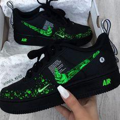 Nike Shoes Blue, Nike Shoes Air Force, Cool Nike Shoes, Moda Sneakers, Cute Sneakers, Sneakers Nike, Jordan Shoes Girls, Girls Shoes, Shoes Women