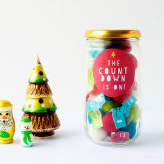 Easy and cute DIY decorating ideas for Christmas! My favorite is number 20 :)