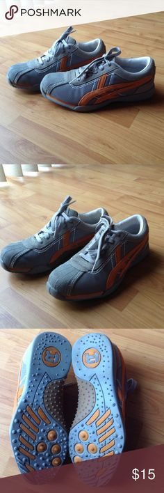 Kenneth Cole Sneakers Like New; Gray with Orange Sneakers; Very Sreamlined Style that would work great with an Athleisure look or a comfy casual outfit! Kenneth Cole Reaction Shoes Athletic Shoes